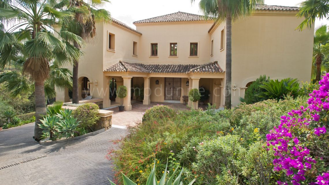 Benahavis, Best priced Villa for Sale in La Zagaleta