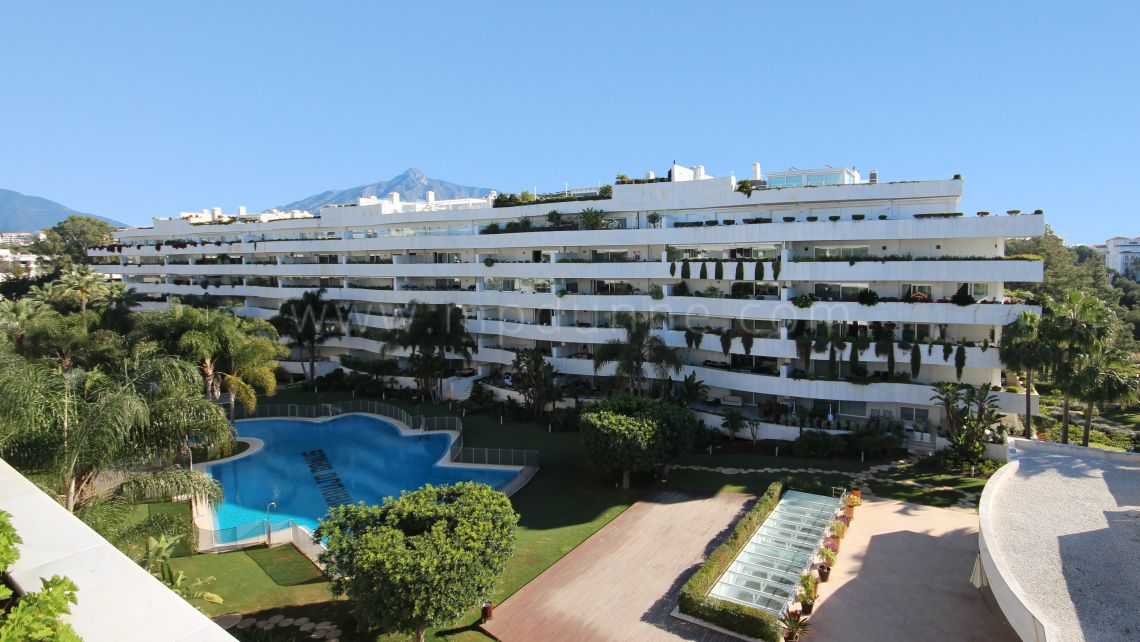 Marbella - Puerto Banus, El Embrujo Banus Luxury Corner Apartment with Stunning Views