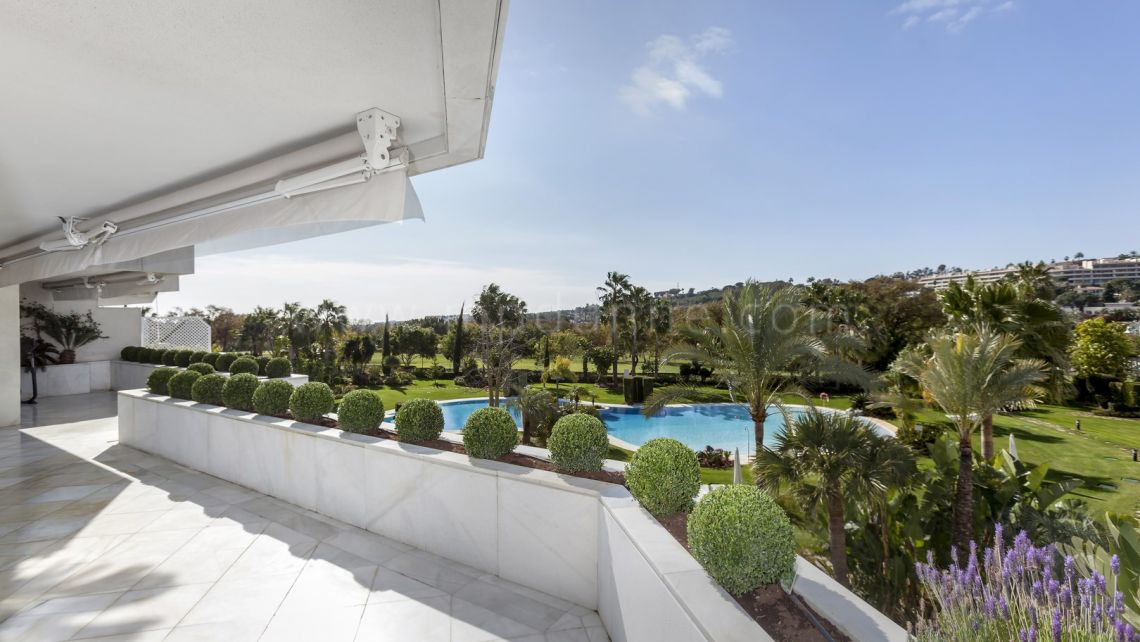 Nueva Andalucia, Stunning Penthouse for Sale in Los Granados Golf, Nueva Andalucia