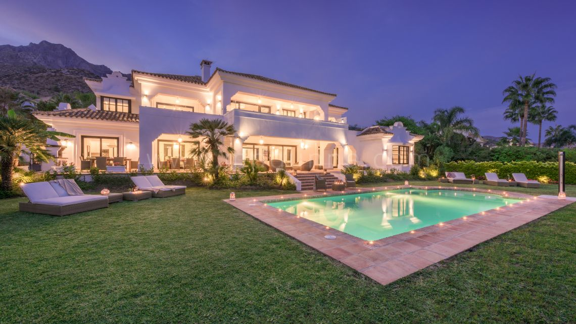 Marbella Golden Mile, Modern Villa with panoramic sea views for Sale in Sierra Blanca, Marbella Golden Mile