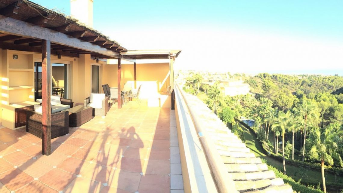 Marbella Golden Mile, 3 bedroom Penthouse with panoramic sea views in Condado de Sierra Blanca