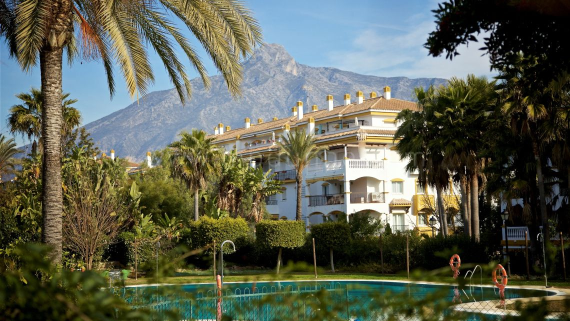 Nueva Andalucia, Dama de Noche, Puerto Banús, 4 bed Ground Floor Apartment