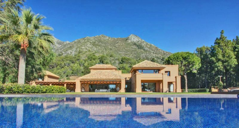 Marbella Golden Mile, Stunning contemporary villa with spectacular sea views