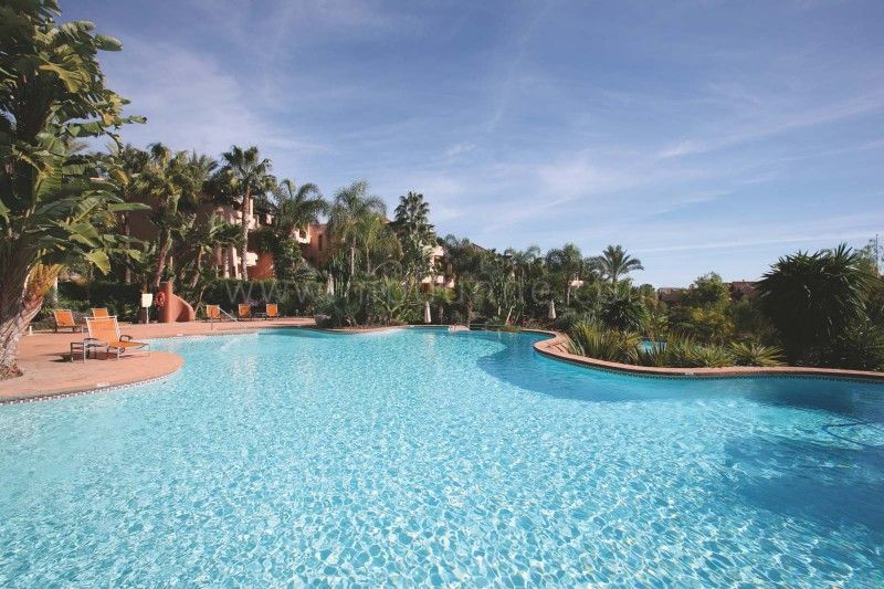 Marbella Golden Mile, 2 bedroom Apartment for Sale in Mansion Club