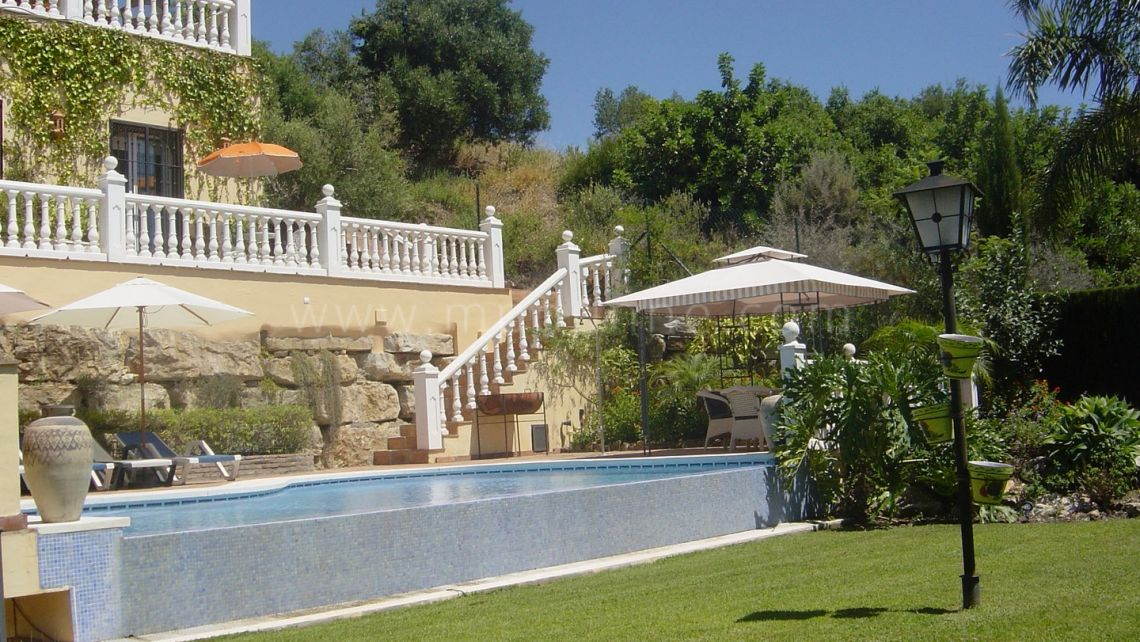 Istan, Sierra Blanca Country Club 5 bedroom villa for sale