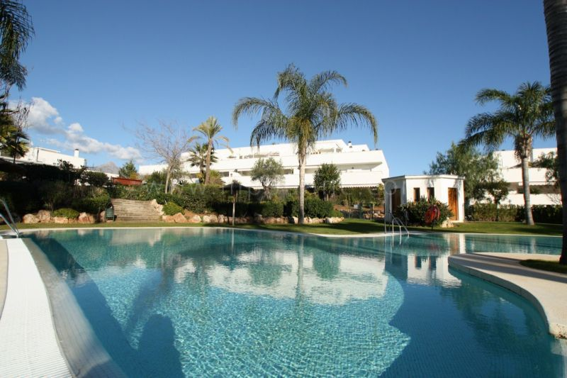 Nueva Andalucia, 2 bedroom apartment for sale in Terrazas del Rodeo, Marbella