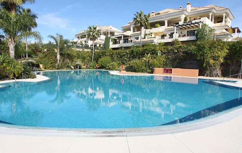 Nueva Andalucia, 3 bedroom apartment for sale in Aloha Park, Marbella