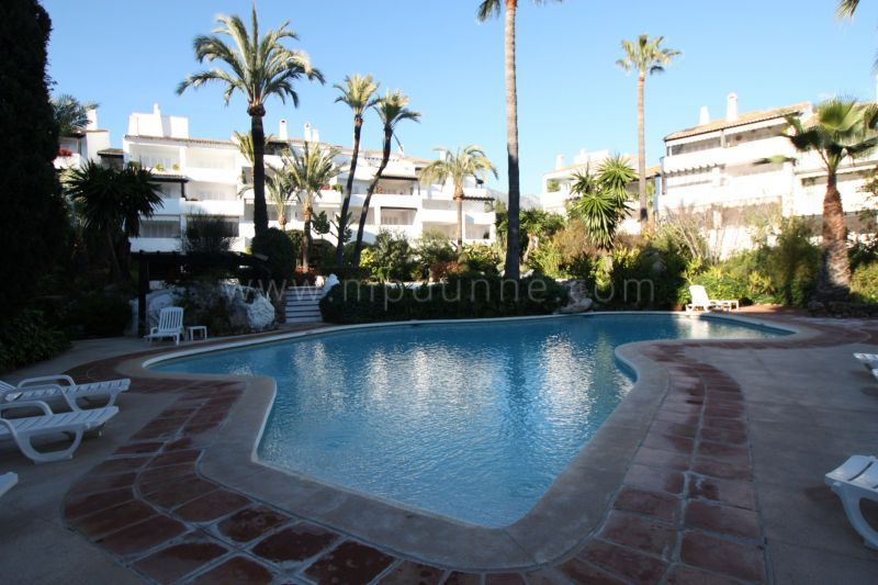 Marbella Golden Mile, Luxury Holiday Rental apartment in Puente Romano