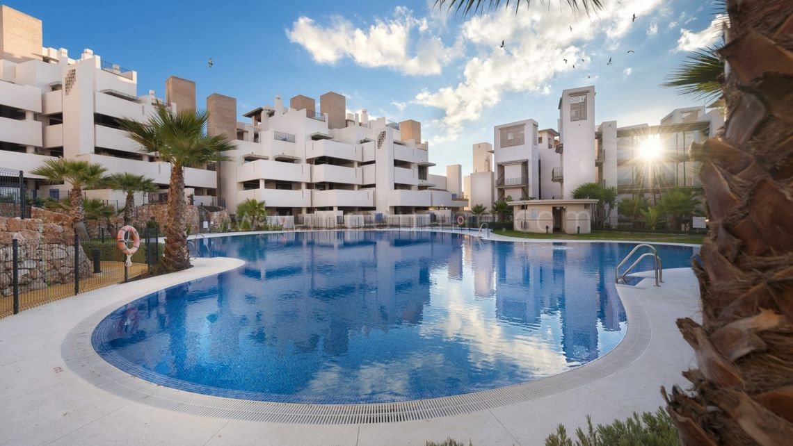 Estepona, Bahía de la Plata, New Golden Mile, 3 bed Ground Floor Apartment for sale Beachfront