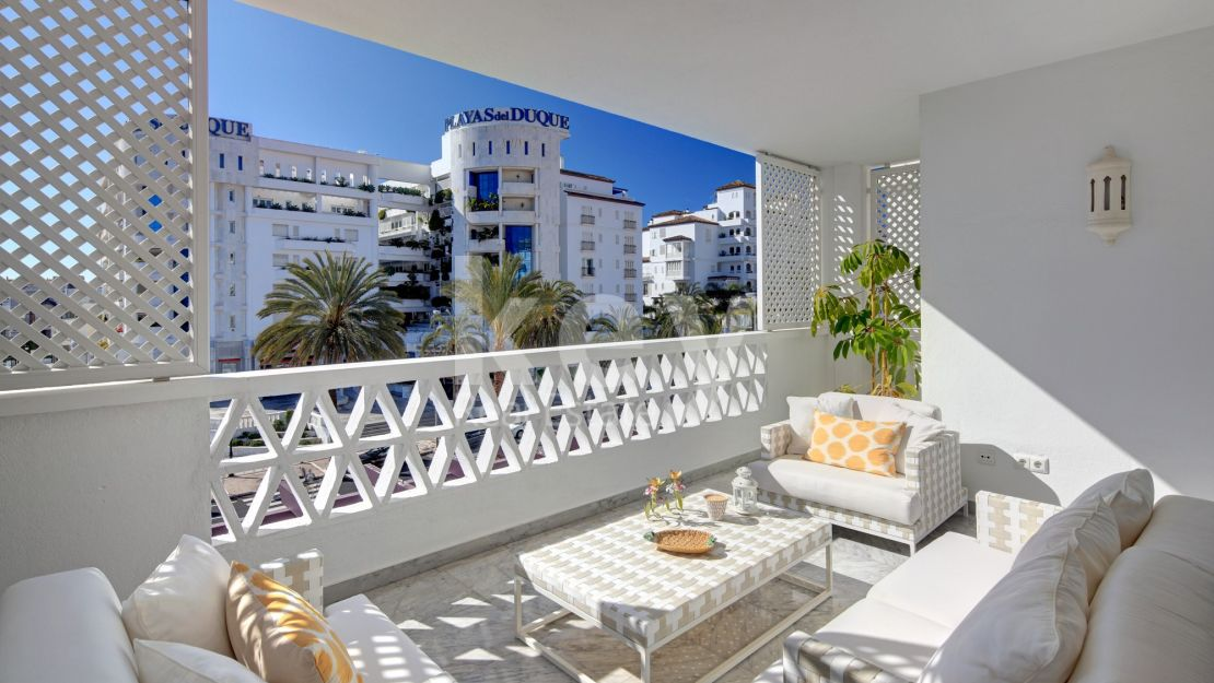 Charming apartment for sale in a gated community, Puerto Banús