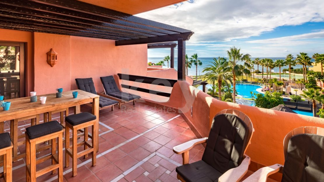 Frontline beach penthouse for sale in New Golden mile, Estepona