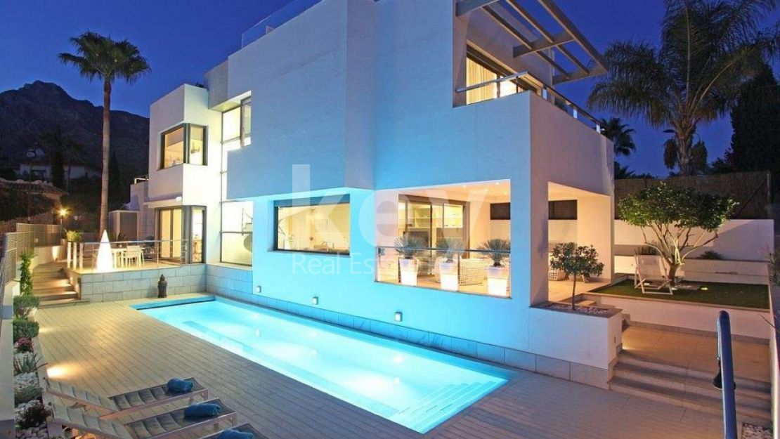 Villa The Mile: villa moderna en alquiler en Golden Mile, Marbella