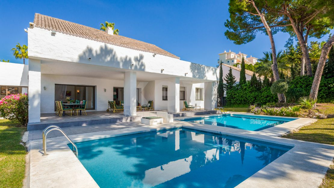 Family friendly villa steps from the beach in Puerto Banus, Marbella