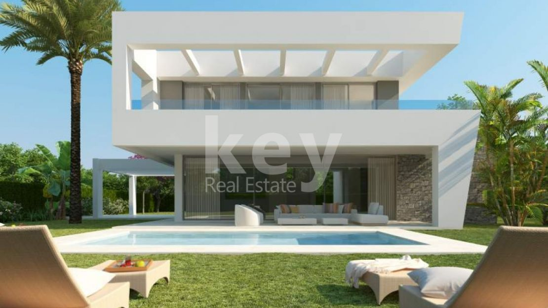 Contemporary villa for sale in Rio Real, Marbella East