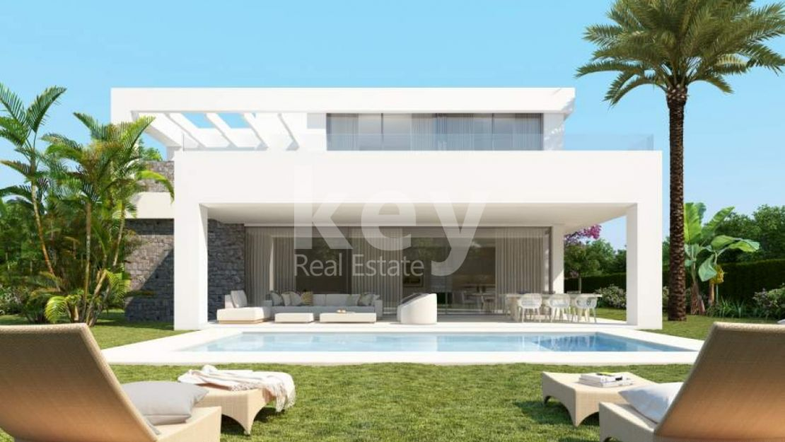 Incredible luxury villa with sea views in Rio Real, Marbella East