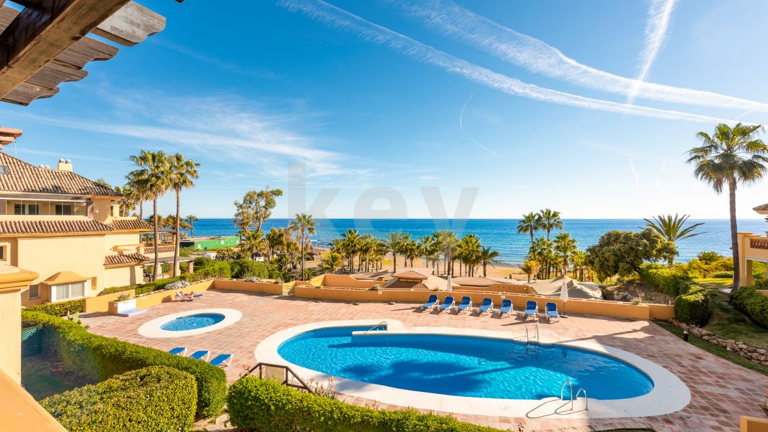 Apartment Mar 2: Beachfront luxury apartment in Rio Real Playa, Marbella East