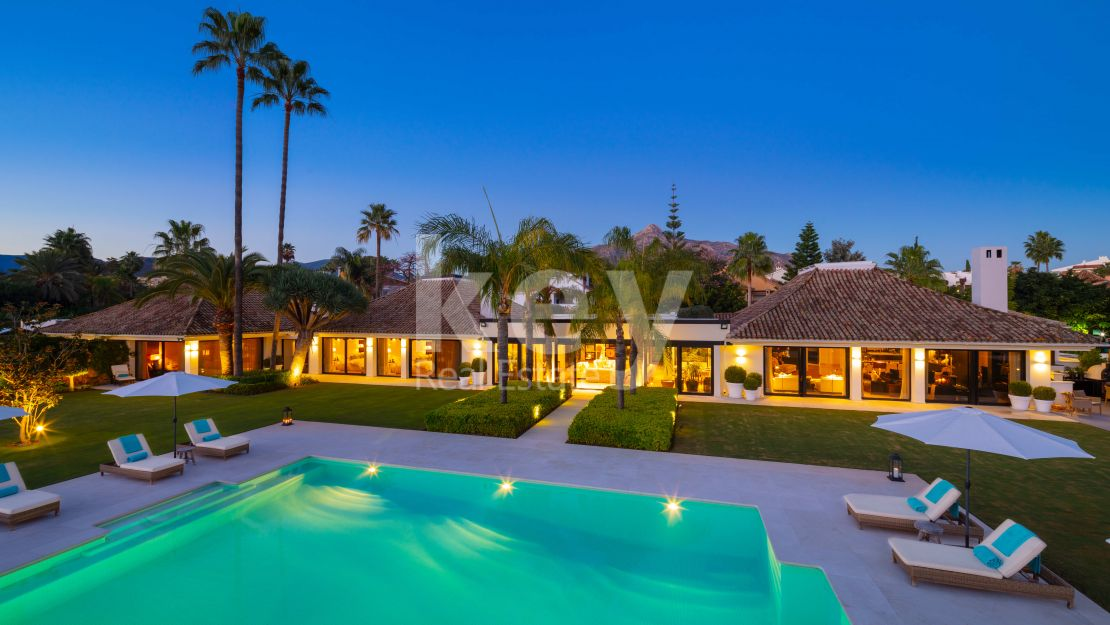Unique opportunity! Luxury mansion in a gated community, Aloha Golf, Nueva Andalucia