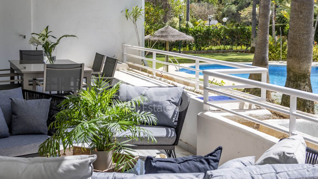 Scandinavian renovated apartment in walking distance to the beach, San Pedro de Alcántara