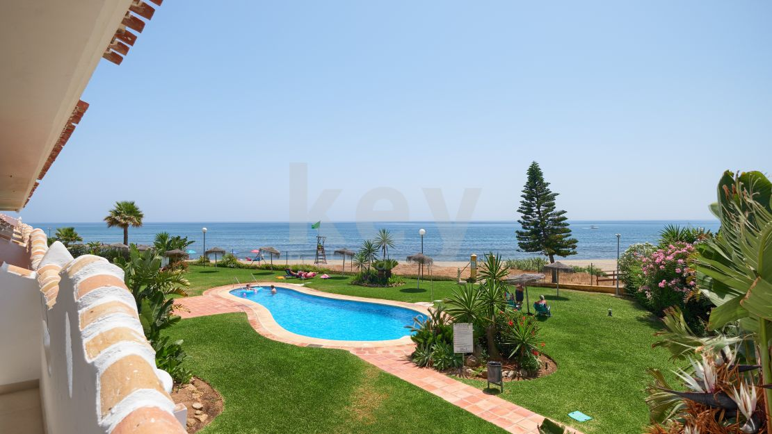 Stunning sea view apartment in beautiful and calm Calahonda, Mijas