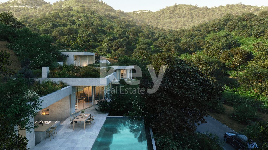 Hidden masterpiece with panoramic views in Benahavis