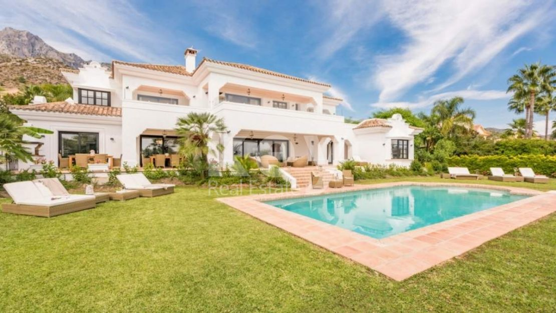 GOLDEN MILE, MARBELLA AMAZING VILLA WITH SEA AND MOUNTAIN VIEWS