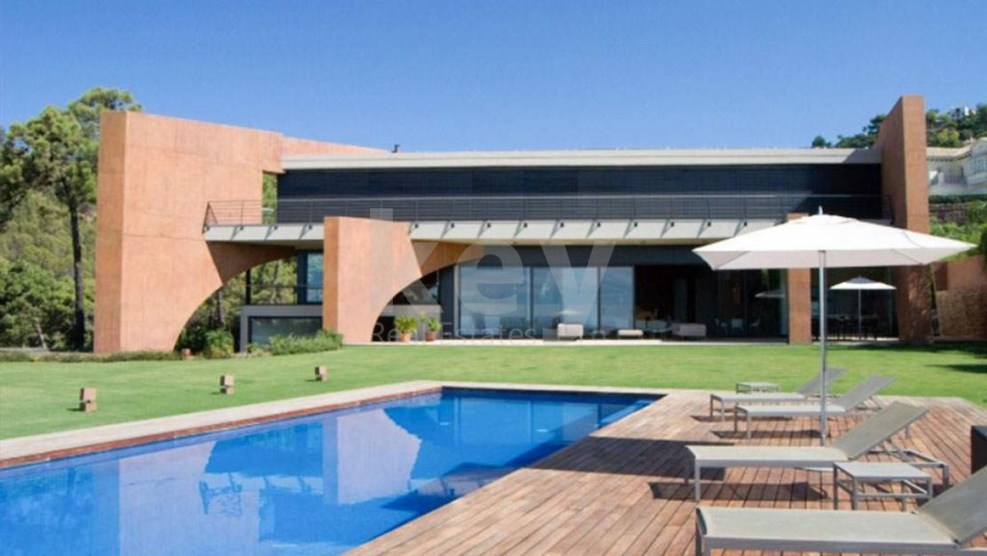 Incredible modern villa in La Reserva de Alcuzcuz, Benahavis