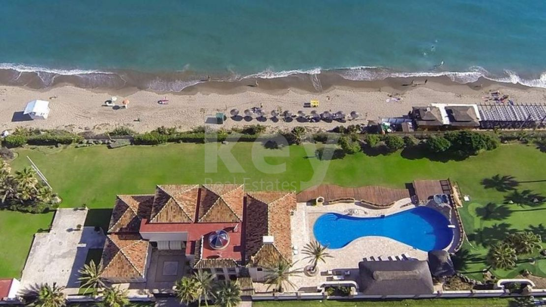Villa Iris: Extraordinary frontline beach villa for sale in Marbella East