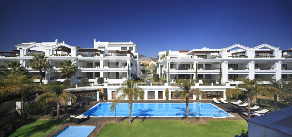Frontline beach apartments in New Golden Mile, Estepona