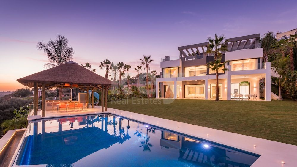 villa in los flamingos, new golden mile with panoramic sea and golf views for sale