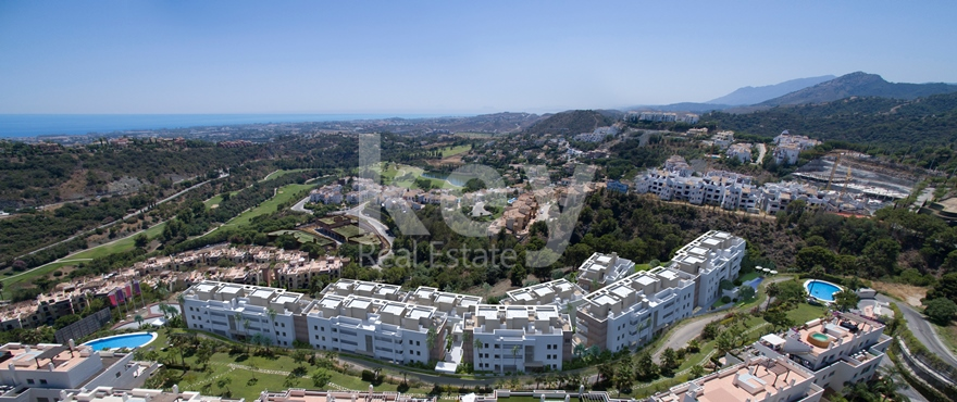 Unique residential development close to golf course in La Reserva de Alcuzcuz, Benahavis