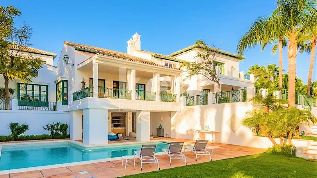 JUST RENOVATED AMAZING VILLA WITH SEA VIEW IN SIERRA BLANCA, MARBELLA
