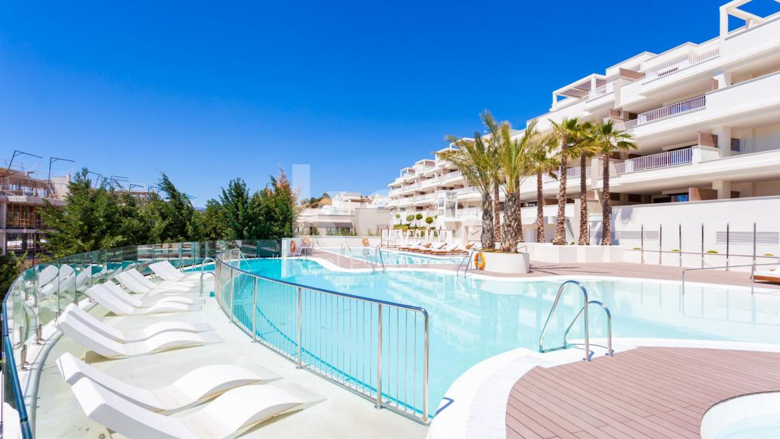 Sea views villas and apartments for sale close to the beach, Cala de Mijas