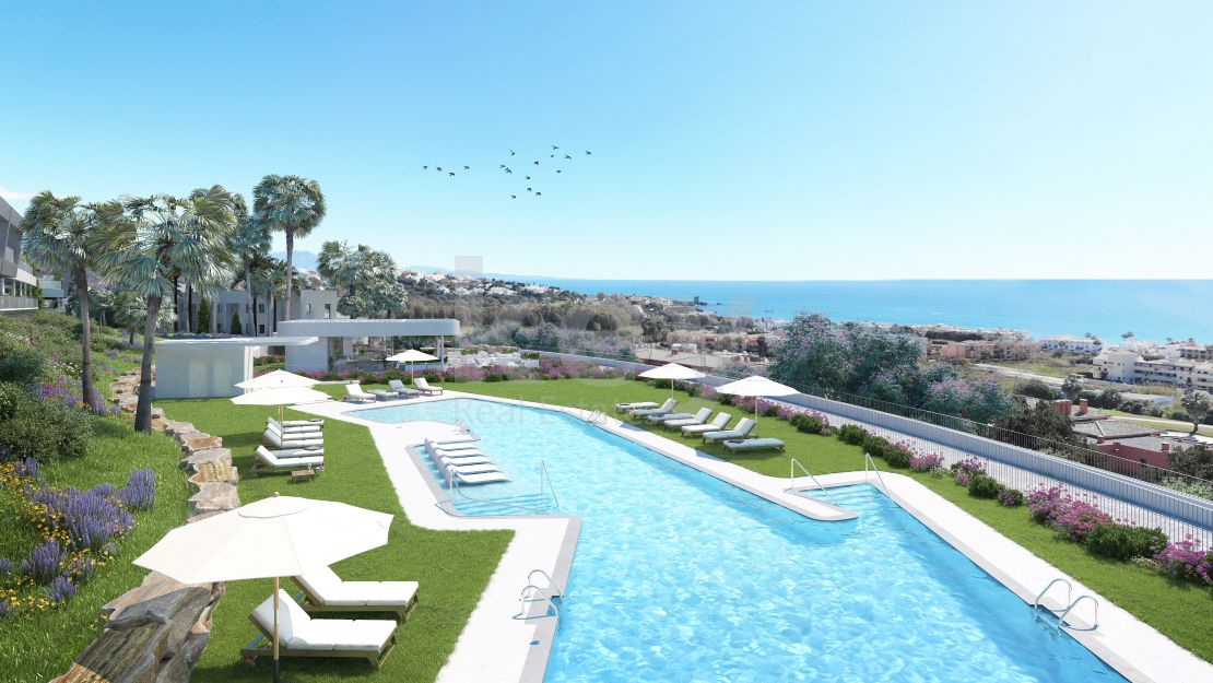 New modern apartments with sea and golf views in Casares