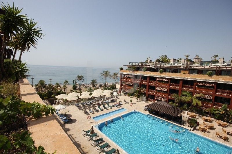 Firstline beach penthouse close to Puerto Banús
