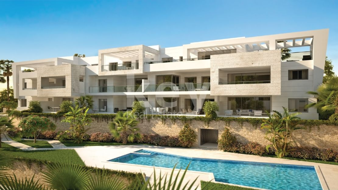 Contemporary apartment with sea views in Casares golf