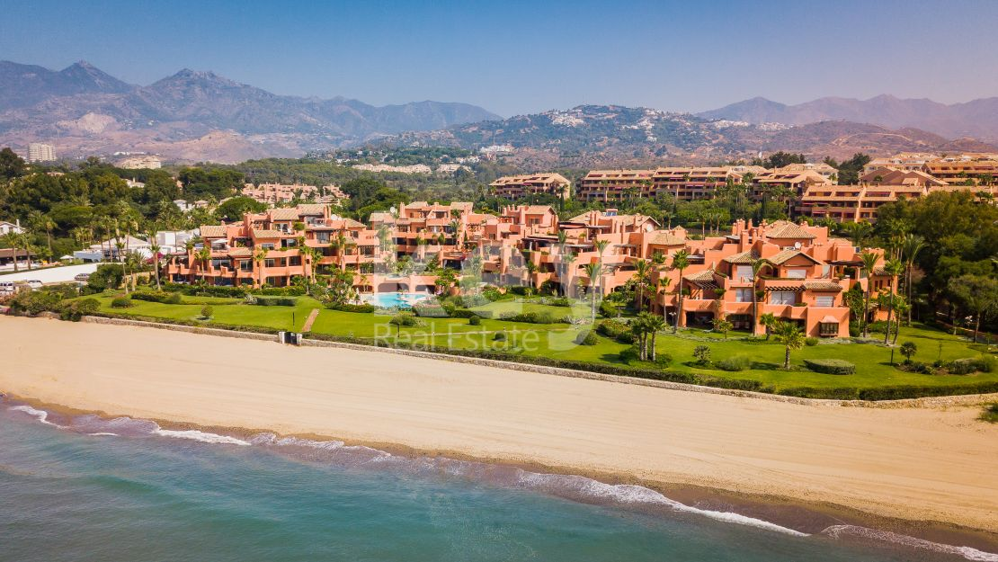 Beachfront luxury apartments in La Morera, Marbella East