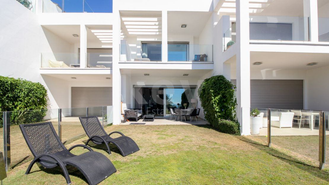 Casa Domus: sea views townhouse for rent in Golden Mile, Marbella