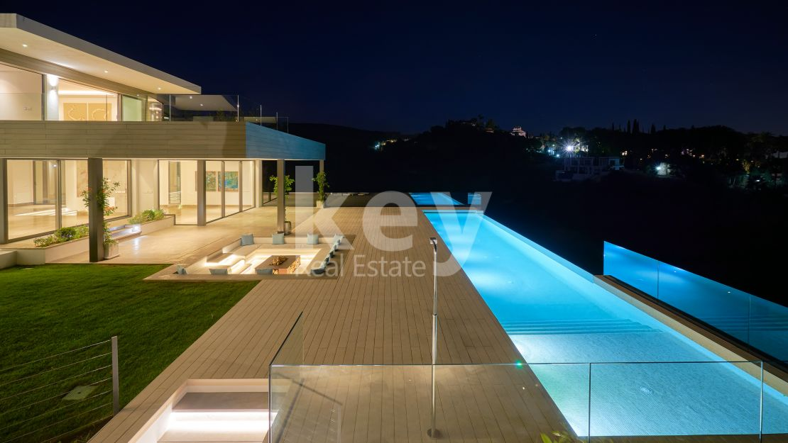 Modern sea views villa for sale in Los Flamingos Golf, Benahavis