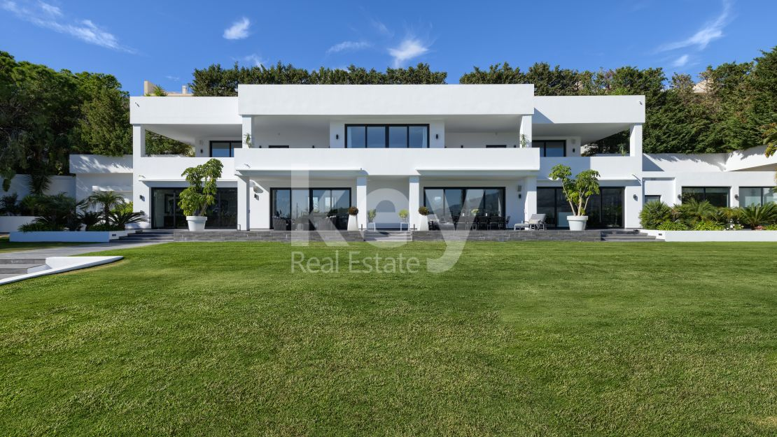 Villa Giada: Contemporary villa with heated pool in Las Brisas, Nueva Andalucia