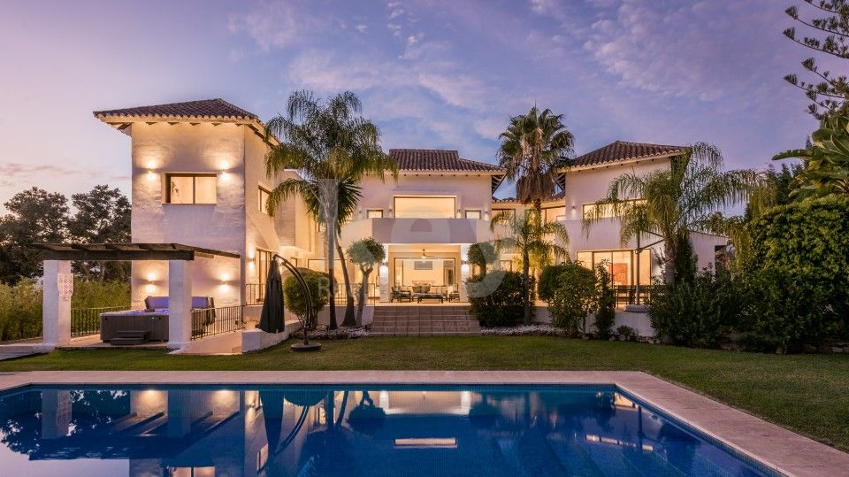 Luxury Villa situated in Golden Mile in prestigious area of Marbella.