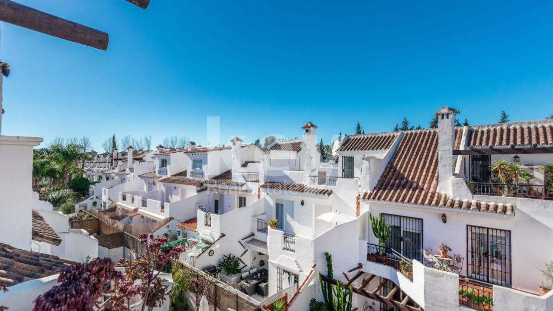 Beautiful and cozy townhouse in Los Naranjos, Nueva Andalucia