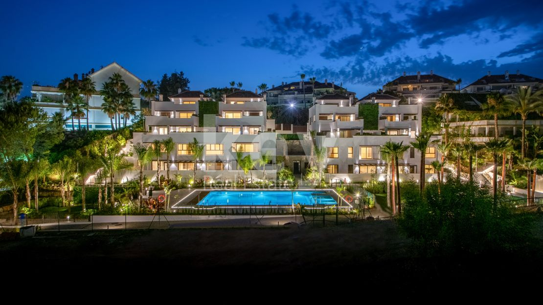 Duplex penthouse for sale in the Golden Mile, Marbella