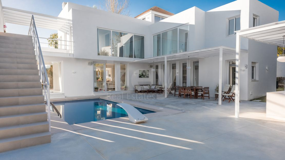 Amazing villa for sale in las Brisas Golf in Nueva Andalucia, Marbella