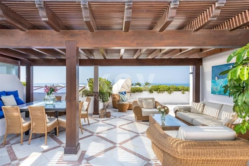 Frontline beach penthouse in Estepona