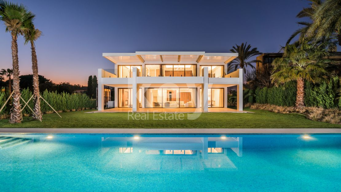 New beachside modern villa for sale in Guadalmina Baja, San Pedro