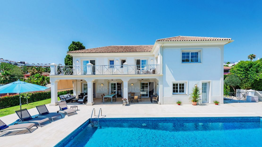 Beachside Mediterranean villa for sale in Golden Mile, Marbella