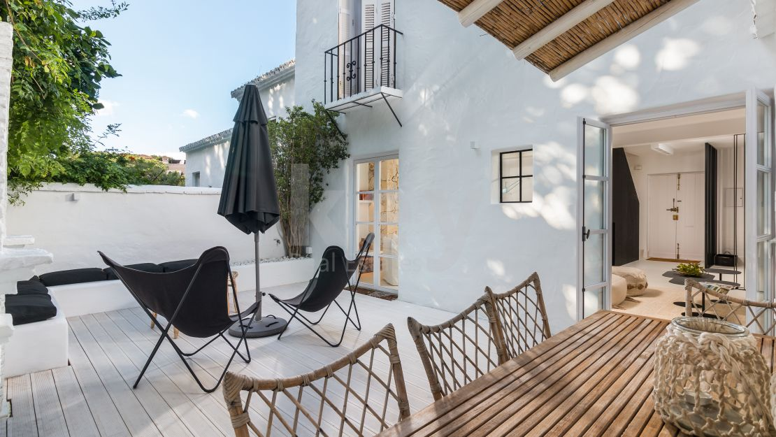 Just renovated stunning townhouse in Lomas de Marbella Club, Golden Mile