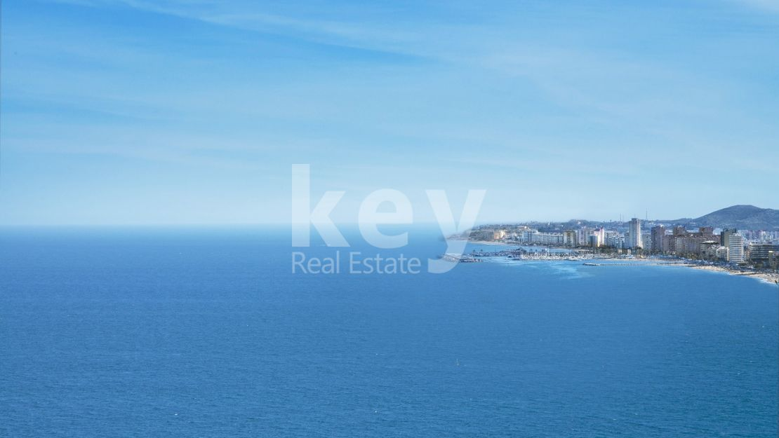 Frontal Penthouse with spectacular seaviews in Fuengirola only 200 meters to the beach