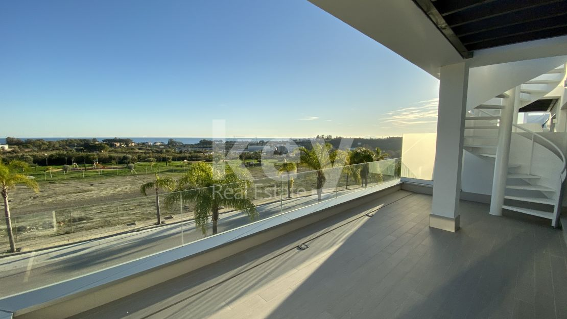 Sea views modern penthouse in Cancelada, Estepona