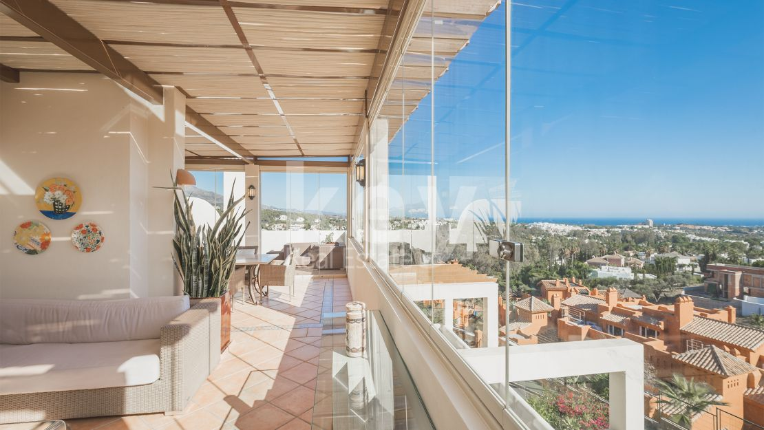 Stunning panoramic sea views penthouse in Nueva Andalucia